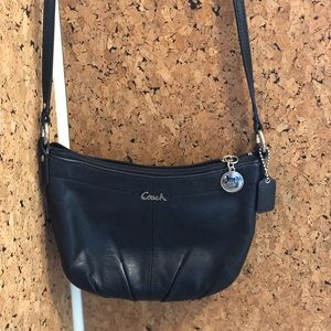 Small Coach crossbody purse in black leather